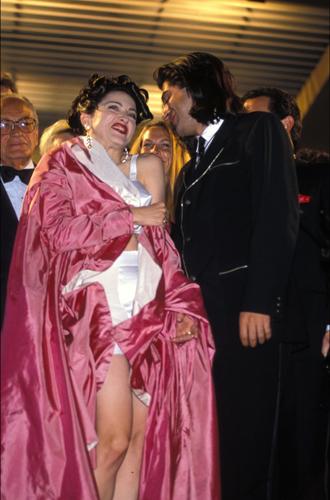 Фото №32 - Войти в историю: 35 культовых платьев Каннского кинофестиваля