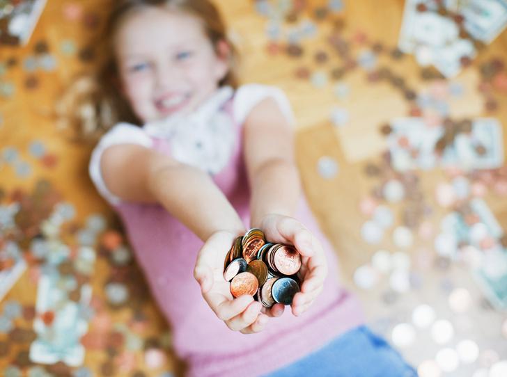 Фото №5 - Что такое детская банковская карта, и как она учит управлять финансами