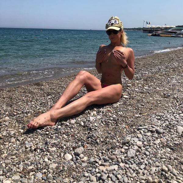 Анастасия волочкова попка