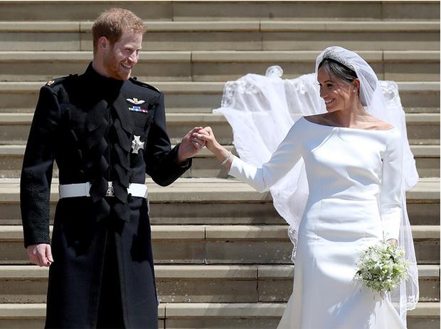 Фото №4 - Почему свадебное платье принцессы Евгении было удачнее, чем у Меган Маркл