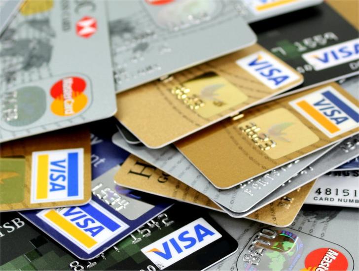Фото №1 - Банки и ЦБ предупреждают о новом сценарии кражи денег со счетов клиентов