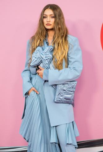 Фото №13 - Лучшие звездные образы на ковровой дорожке CFDA Fashion Awards 2019