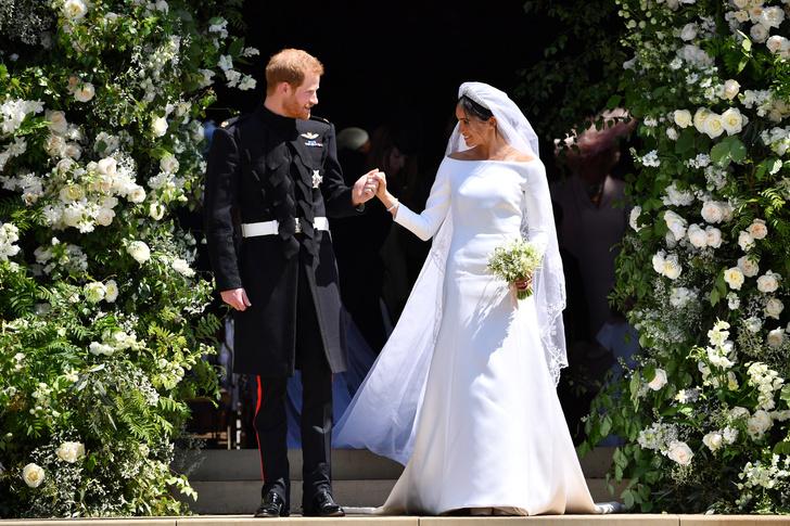 Фото №1 - 104 недели в браке, которые изменили Сассексов: от жизни в королевской семье до побега в Голливуд
