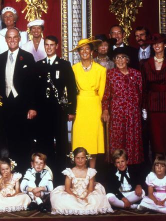 Фото №14 - Гордость женихов и невест: самые стильные мамы на королевских свадьбах