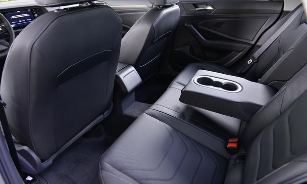 Фото №4 - Новая Volkswagen Jetta: комфорт-класс