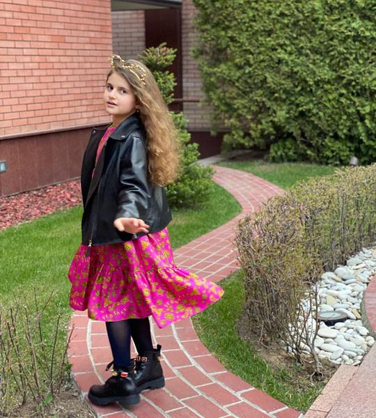 Фото №1 - Жасмин показала модницу-дочку