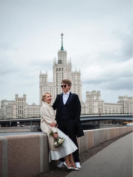 Фото №7 - Как выглядит свадебный альбом пары, которая поженилась онлайн