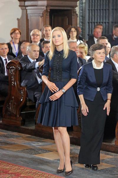 Фото №12 - Как одеваются дочери президентов: от сестер Алиевых до Айшат Кадыровой