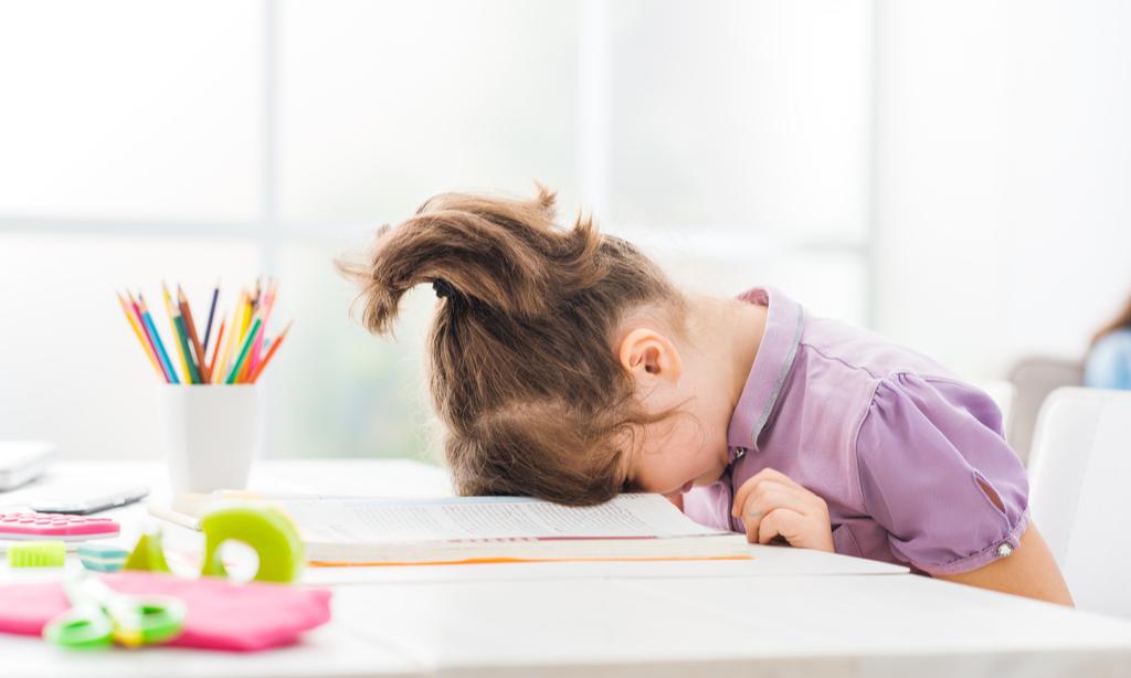 В каком возрасте идти в первый класс: опыт мам и мнение психолога