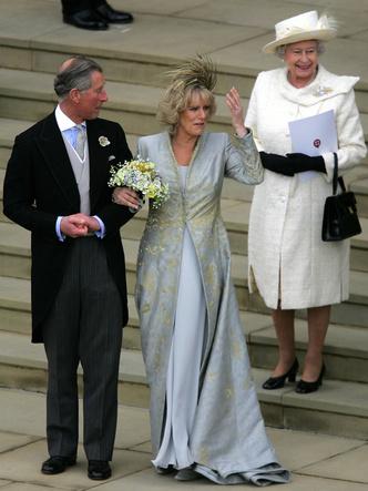 Фото №9 - Платья-близнецы: 15 слишком похожих свадебных нарядов королевских особ