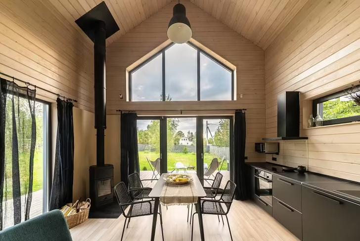 Фото №1 - Небольшой дом с панорамными окнами под Волоколамском