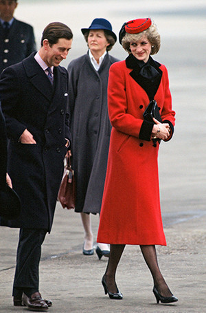 Фото №60 - 70 красных нарядов: как принцесса Диана носила любимый цвет