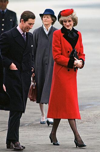 Фото №33 - 60 красных нарядов: как принцесса Диана носила любимый цвет