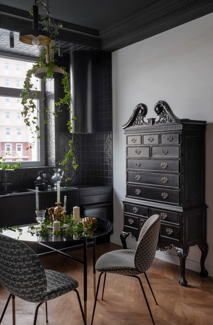 Фото №3 - Черно-белая квартира с панорамными обоями