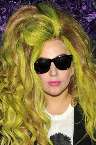 Фото №29 - Как хорошела Леди Гага: все о громких бьюти-экспериментах звезды