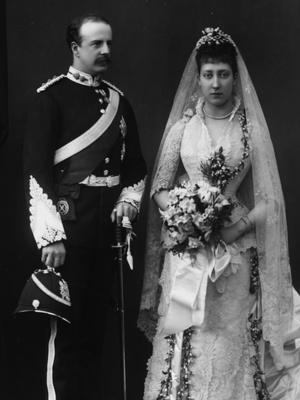 Фото №4 - По стопам Виктории: самая красивая традиция королевских невест прошлого