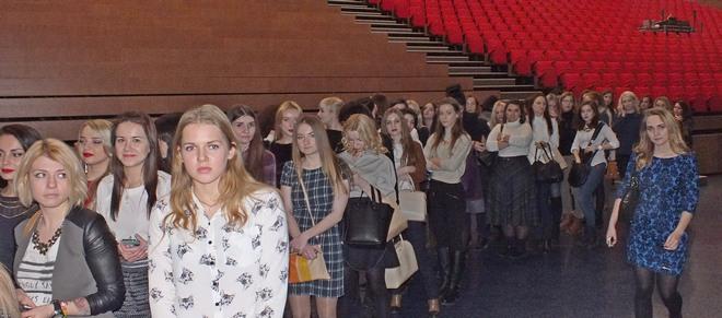 Фото №3 - Елена Крыгина рассказала воронежцам про новогодний макияж