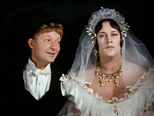 кадр из фильма «Женитьба Бальзаминова»