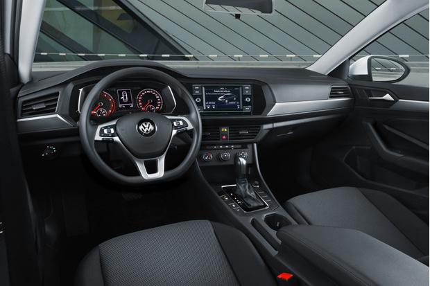 Фото №3 - Новый Volkswagen Jetta предъявил цены