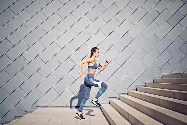 что будет если ходить по лестнице каждый день, польза ходьбы по лестнице вверх и вниз для похудения для женщин и мужчин