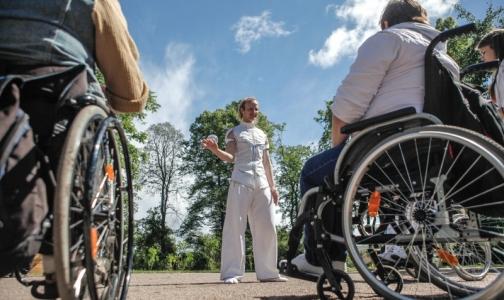 Фото №1 - Российских инвалидов обеспечат «умными» руками и колясками отечественного производства