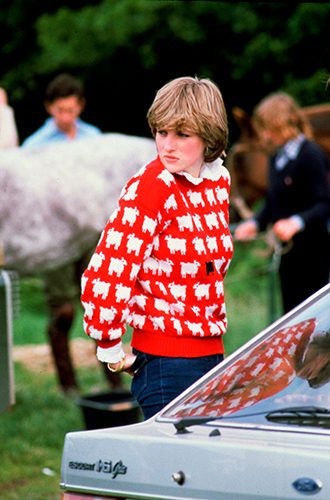 Фото №45 - 60 красных нарядов: как принцесса Диана носила любимый цвет