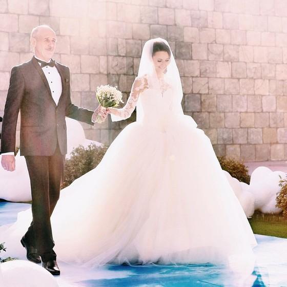 Фото №5 - #FollowMeTo: создатели проекта Мурад Османн и Наталья Захарова поженились