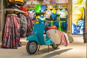 Фото №3 - В Москве открылся новый магазин для сноубордистов и серфингистов