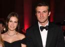 Платье-кейп и принцессы в гостях: как прошла свадьба Даши Жуковой и Ставроса Ниархоса