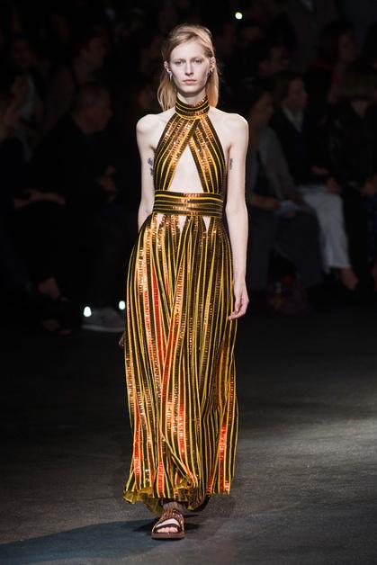 Показ Givenchy весна-лето 2014.