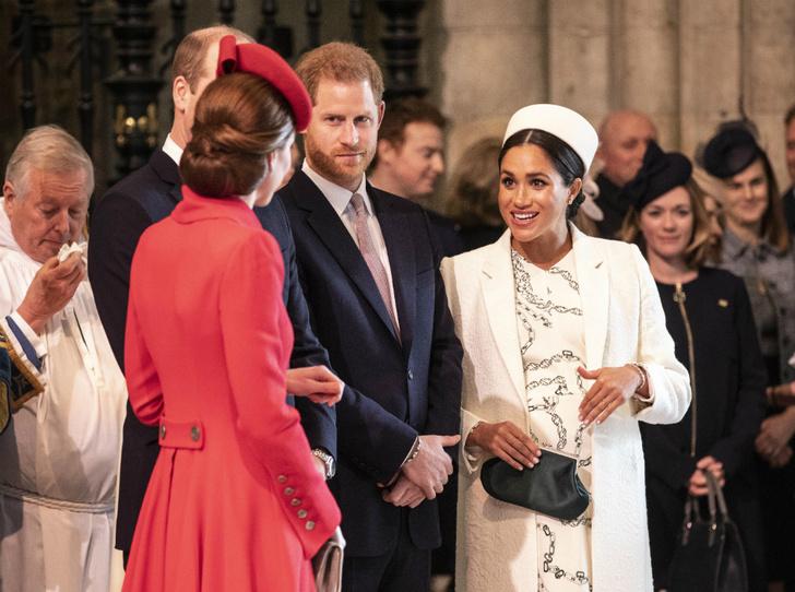 Фото №3 - Последний реверанс: какой долг Короне предстоит отдать Гарри и Меган