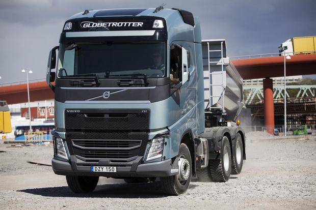 Фото №5 - Зачем грузовики поднимают задние колеса