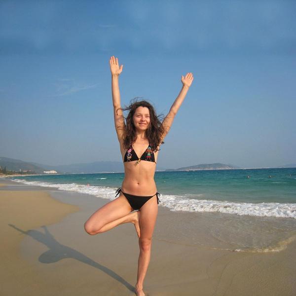 Фото №2 - 42-летняя звезда «СашаТаня» показала фигуру в бикини