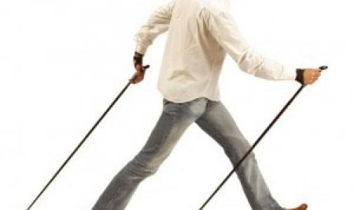 Фото №1 - В Колпино набирает популярность скандинавская ходьба