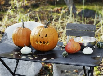 Фото №7 - Мастер-класс: как сделать маникюр на Хэллоуин