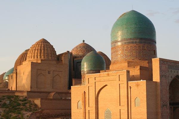 Фото №1 - В Узбекистан с мешком денег