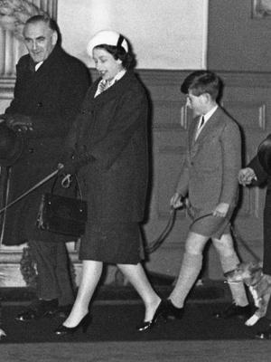 Фото №5 - Королевская доля: почему (и как) Елизавета скрывала свои беременности