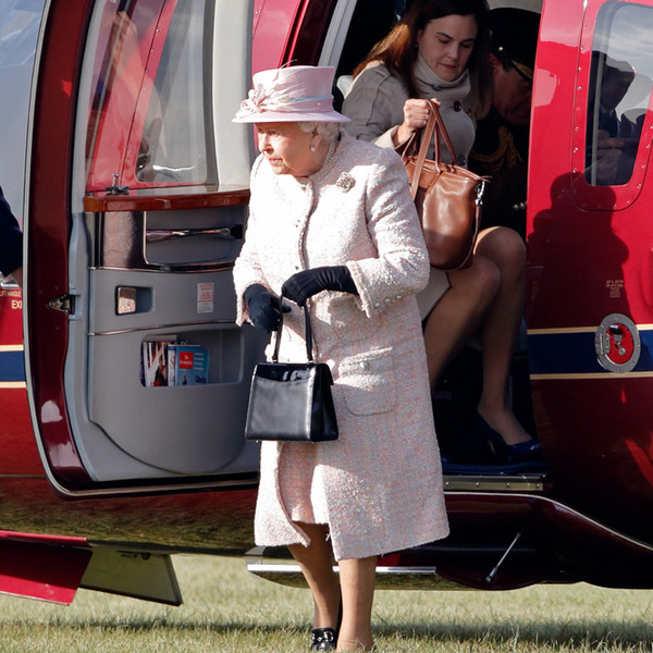 Фото №3 - Елизавета II приставила к Меган Маркл инструктора по королевским манерам