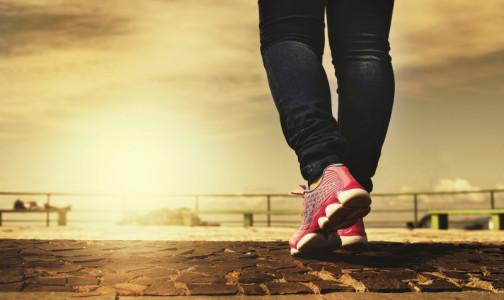 Фото №1 - Десять тысяч - это миф. Сколько шагов в день нужно делать для здоровья, разъяснили ученые