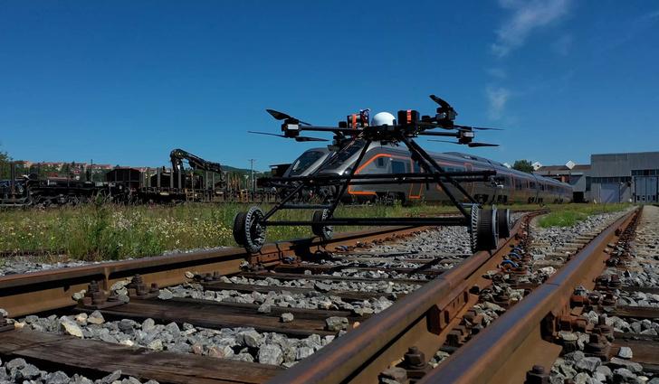 Фото №1 - В Норвегии создан дрон для инспекции железнодорожных путей