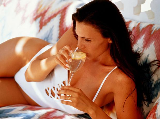 Фото №2 - 9 причин начать пить лимонную воду