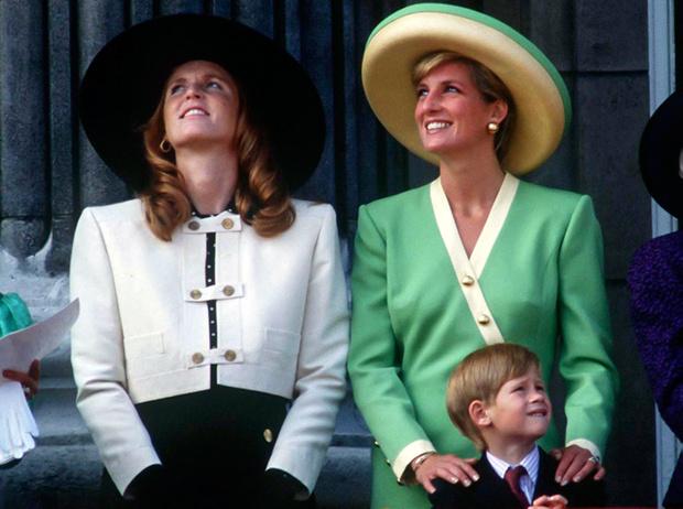 Фото №2 - Почему Сара Фергюсон сравнивает Кейт и Меган с собой и Дианой