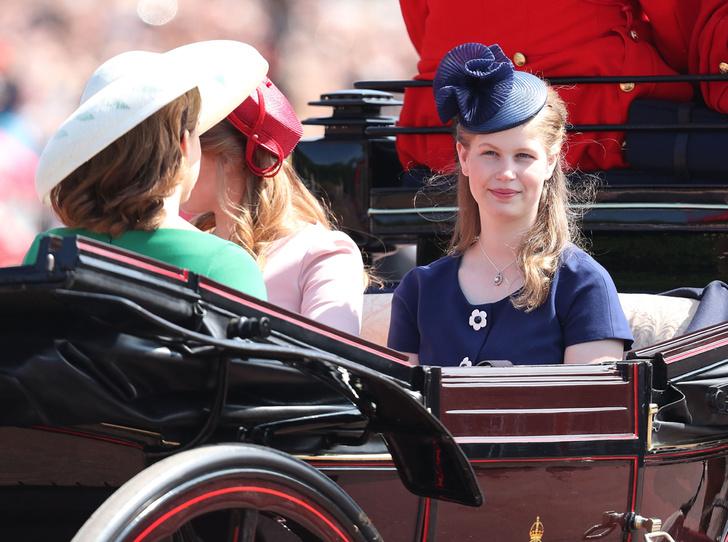 Фото №9 - Trooping the Colour 2018: Меган Маркл, Кейт Миддлтон и другие члены королевской семье на ежегодном параде