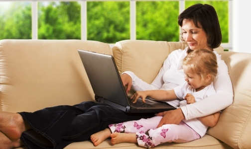 Фото №1 - Молодым мамам полезно работать