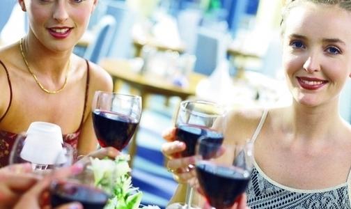 Фото №1 - Сенаторы предлагают запретить продажу алкоголя людям моложе 21 года