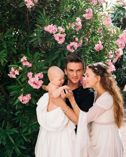 Фото №1 - Регина Тодоренко намекает на вторую беременность?
