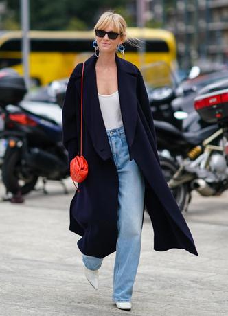 Фото №11 - Отсутствие цвета и одежда «на будущее»: 7 плохих привычек, которые портят ваш стиль