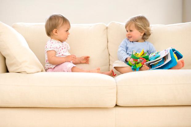 Фото №1 - Ребенок родился: какие книжки выбрать для малыша— список
