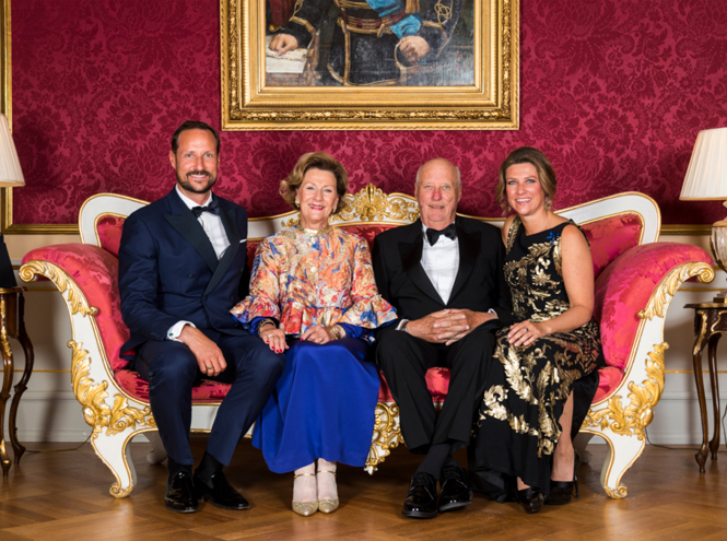 Фото №7 - Как король и королева Норвегии отметили золотую свадьбу