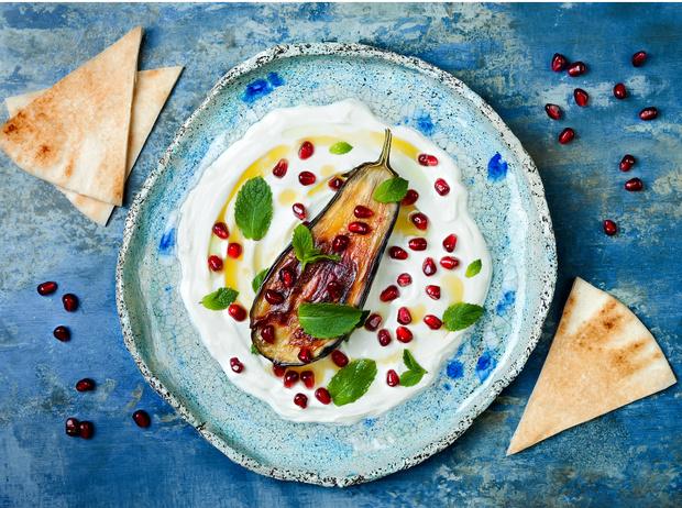 Фото №1 - Готовим дома: 5 рецептов греческих блюд и напитков